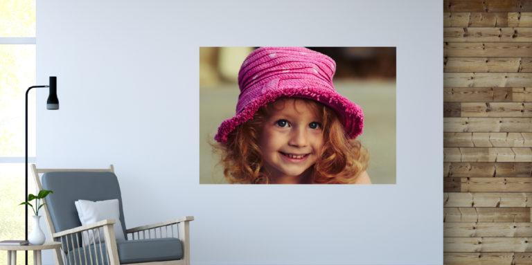Uśmiechnięta dziewczynka fotoobraz