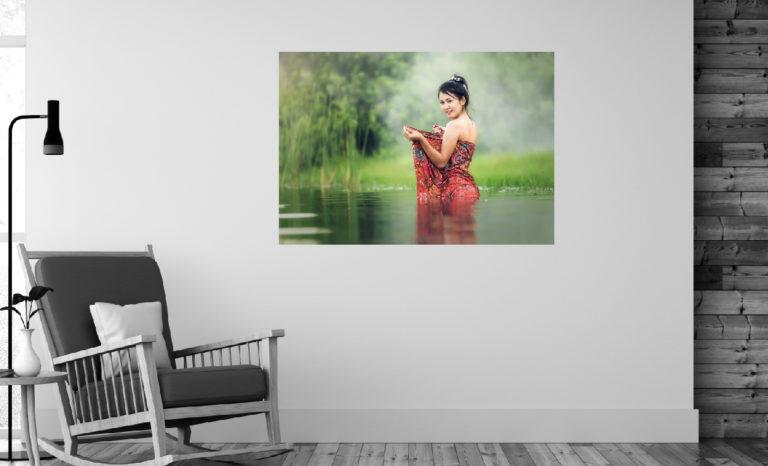 Kobieta rzeka fotoobraz