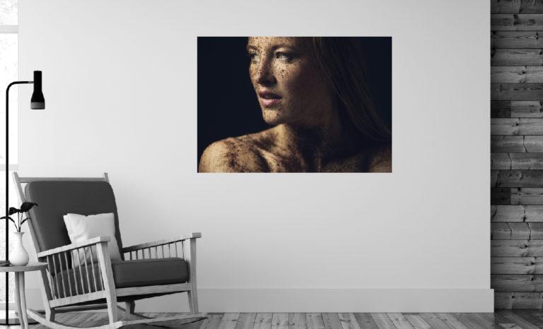 Kobieta w błocie fotoobraz